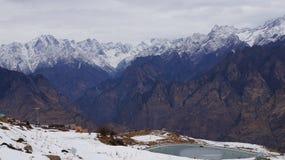 La bellezza della montagna della neve Fotografie Stock