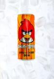 La bevanda arrabbiata degli uccelli può Immagine Stock