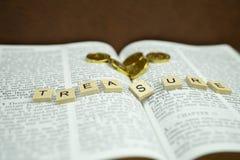 La bibbia santa è tesoro fotografie stock libere da diritti