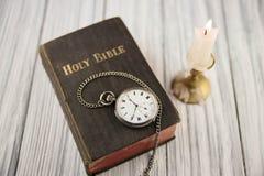 La biblia imagenes de archivo