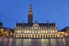 La biblioteca de universidad por la tarde, Lovaina, Bélgica imágenes de archivo libres de regalías