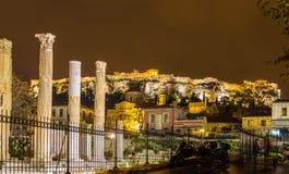 La biblioteca e l'acropoli di Hadrian di Atene Fotografie Stock Libere da Diritti