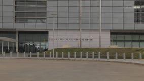 La biblioteca presidencial de Little Rock, Arkansas Guillermo J Clinton enfoca hacia fuera almacen de video