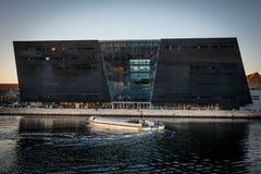 La biblioteca reale nel porto di Copenhaghen denmark fotografie stock