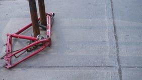 La bici cerrada y peló y robado Imágenes de archivo libres de regalías