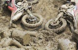 La bici de Euduro cae abajo en pista Imagen de archivo