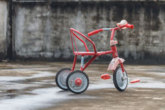 La bicyclette des enfants Photos stock