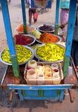 La Birmanie. Chariot de vente de rue Image libre de droits