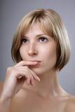 La blonde avec les yeux bruns se ferment vers le haut Photo stock