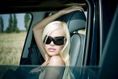 La blonde sexuelle dans les sous-vêtements Image stock