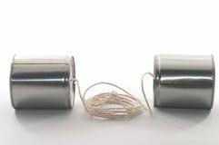 La boîte en fer blanc téléphone à la vue de côté image stock