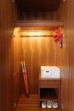 La boîte sûre dans le cabinet Image stock