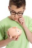 La BO che pensa con il contenitore di soldi - risparmio, soldi Immagine Stock Libera da Diritti
