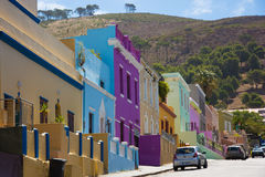 La BO-Kaap à Cape Town est connue pour sa maison brillamment peinte Images libres de droits