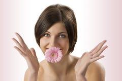 La boca con la flor Fotografía de archivo