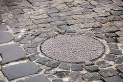 La boca pavimentada con las piedras de pavimentación Imagen de archivo