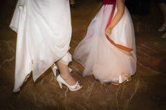 La boda calza a la novia para el día de boda Imágenes de archivo libres de regalías