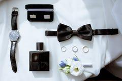 La boda hermosa viste para el novio y para el hombre de negocios Imagen de archivo