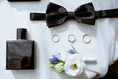 La boda hermosa viste para el novio y para el hombre de negocios Fotos de archivo libres de regalías