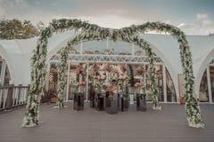 La boda presenta la decoración para una boda foto de archivo libre de regalías