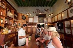 La Bodeguita del Medio en La Habana. Fotografía de archivo libre de regalías