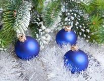 La bola azul marino del Año Nuevo Fotografía de archivo