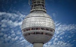 La bola de plata de la torre de la TV en Berlín imagen de archivo