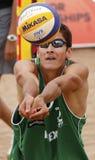 La bola del voleibol de la playa de México arma al hombre Fotos de archivo libres de regalías