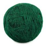 La bola fina verde natural de las lanas aisló macro del ovillo Imagen de archivo