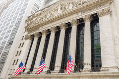 La Bolsa de Nuevo York en Wall Street Foto de archivo