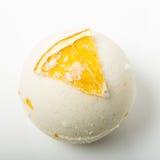 La bombe de bain de sel a décoré l'orange images stock