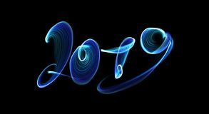 La bonne année 2019 a isolé l'inscription de nombres écrite avec la flamme ou la fumée du feu sur le fond noir illustration libre de droits