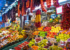 La Boqueria, frutos. Mercado mundialmente famoso de Barcelona Fotos de Stock