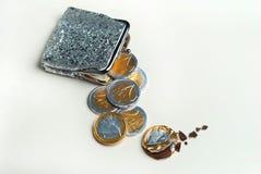 La borsa brillante della moneta del ` s delle donne con l'euro del cioccolato conia Fotografie Stock Libere da Diritti