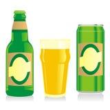 La botella de cerveza rubia aislada, vidrio y puede Foto de archivo libre de regalías