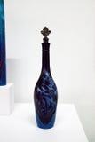 La bottiglia blu ha chiamato il blu di Roses Are dall'artista Yely Diaz del lowrider Immagini Stock Libere da Diritti
