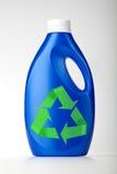 La bottiglia di plastica su bianco con il simbolo ricicla immagine stock libera da diritti