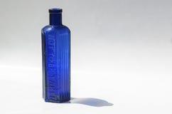 Bottiglia del blu di cobalto Fotografia Stock Libera da Diritti