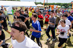 La boue fonctionnent chez Mudness final, concurrence sportive à Bucarest Image stock