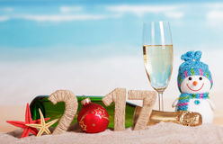 La boule numéro à la place 0 en 2017 mers d'iagainst de bouteille de champagne Images libres de droits
