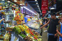 La Bouqueria Foodmarket em Barcelona Fotografia de Stock