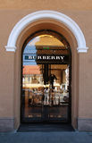 La boutique de Burberry à Vilnius, Lithuanie Images libres de droits