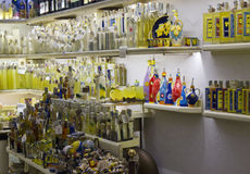La boutique de souvenirs des limoncello d'Amalfi Images libres de droits