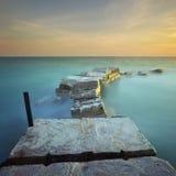 La brique et le beau coucher du soleil Photographie stock libre de droits