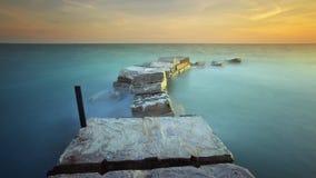 La brique et le beau coucher du soleil Photographie stock