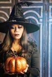 La bruja de Halloween Foto de archivo libre de regalías