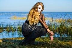 La bruja en el mar imagen de archivo libre de regalías