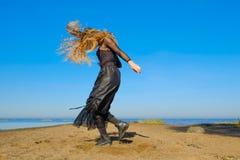 La bruja en el mar fotos de archivo