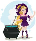 La bruja linda cocina la poción y admira el anillo Foto de archivo