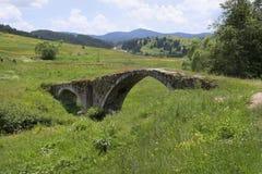 La Bulgarie, pont médiéval Images stock